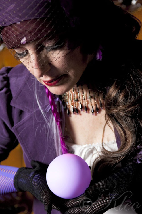 Kleo the Gypsy Fortune Teller and Entertainer - image copyright Kleo 2009